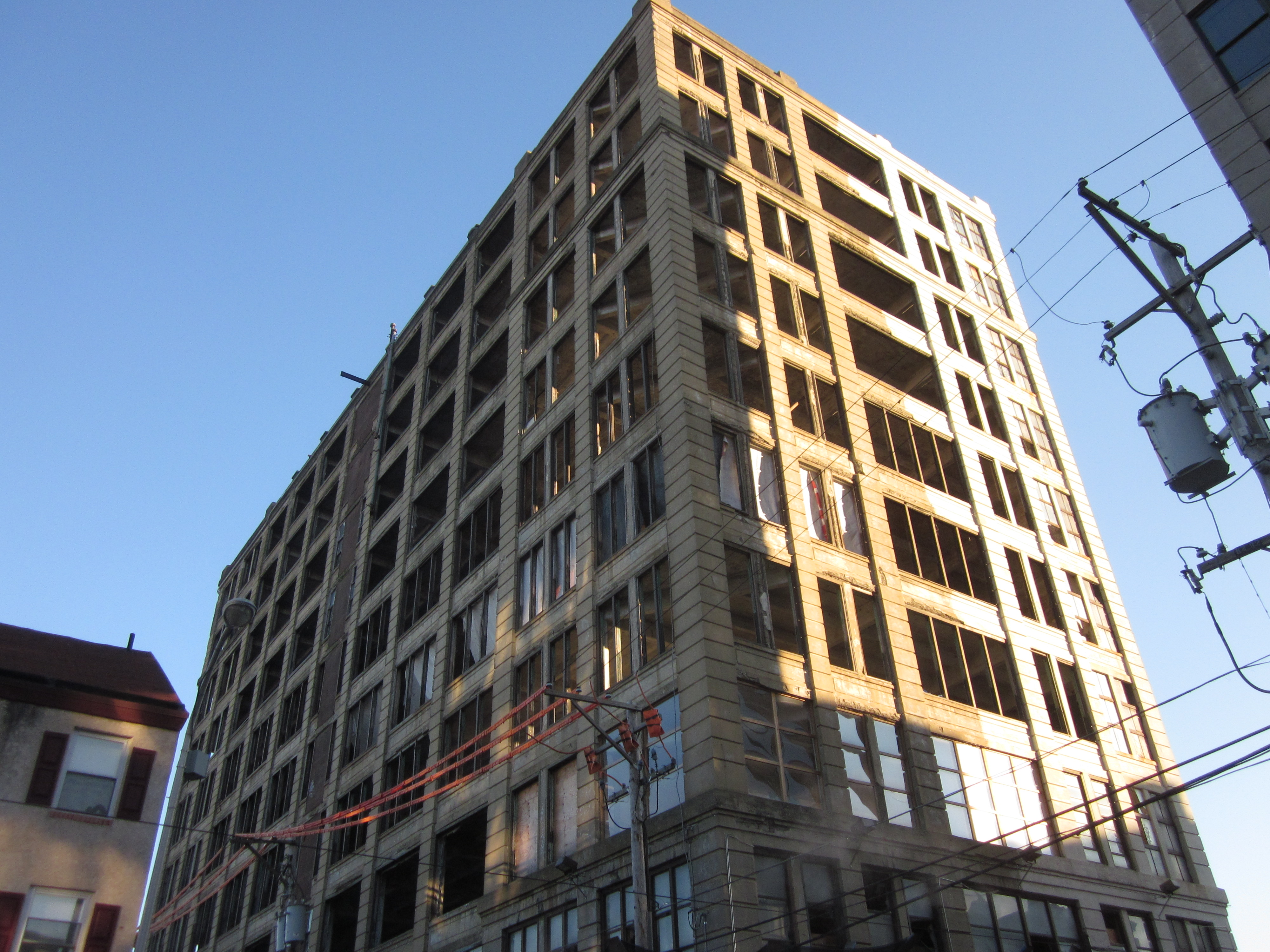 Derelict building to become snazzy modern apartment building ...