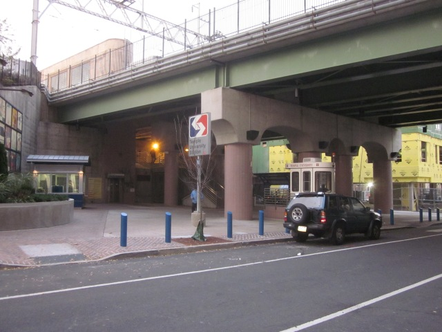 Entrance to Temple University regional rail station from Berks Street