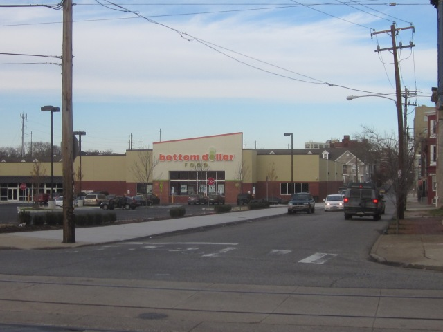 Looking north on 31st Street, @ Girard Avenue, with Bottom Dollar Food in front