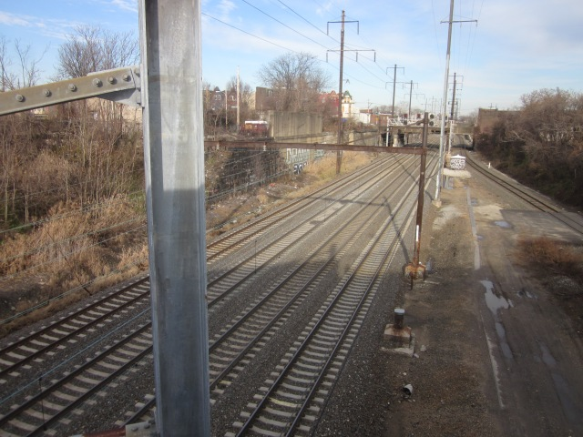 SEPTA tracks next to 3101 Glenwood