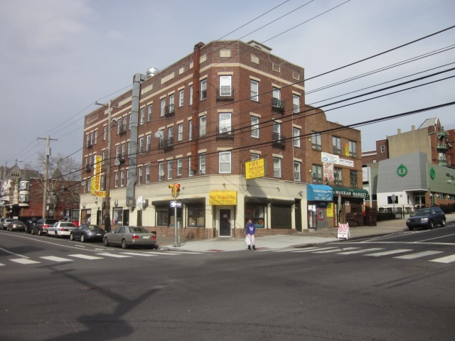 Neighboring older apartment building, @ 43rd & Walnut, has several retail establishments