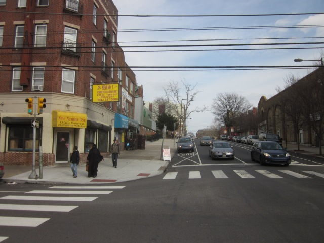 Looking east on Walnut Street, from 43rd Street, towards the Restaurant School, Homewood Suites, and the Penn campus