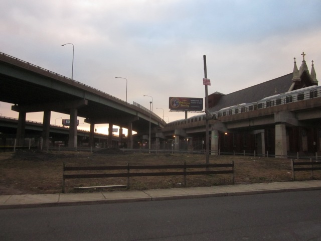 The Market/Frankford El and I-95 are next door to Canal North