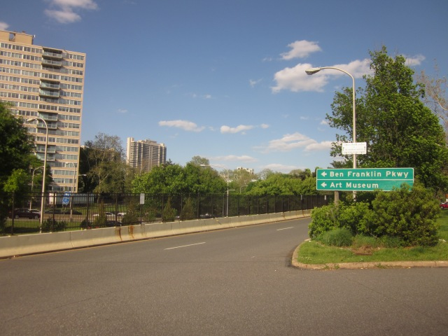 Winter Street begins at end of ramp from Vine Street Expressway, parallel and close to Summer Street, towards the Ben Franklin Parkway
