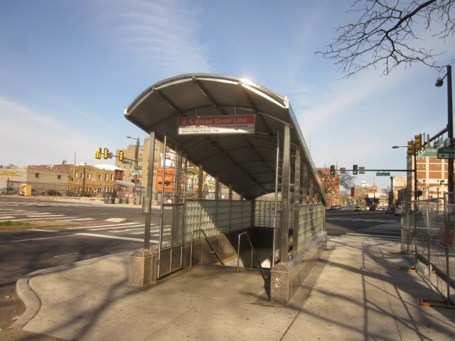 Entrance to Broad Street subway in front of Tower Place