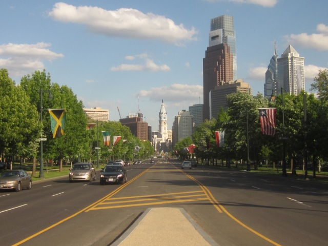 Looking down the Ben Franklin Parkway towards City Hall