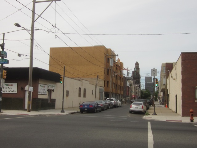 New apartment building, at 20th Street and Washington Avenue, under construction