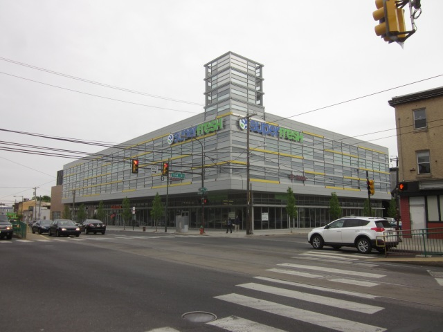 New supermarket at Second Street and Girard Avenue