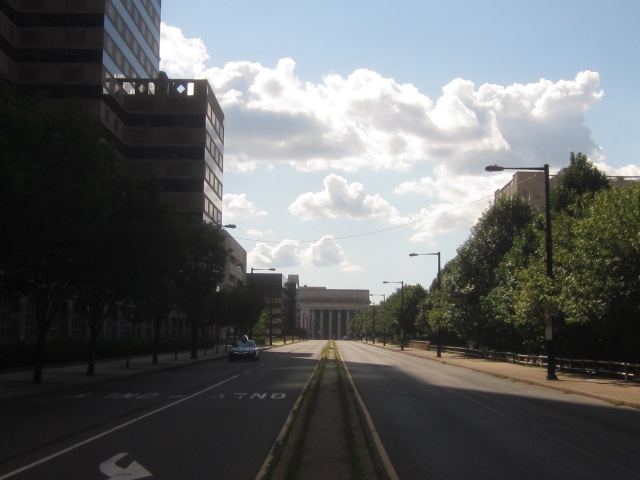 Looking west down JFK Boulevard at 30th Street Station, from 20th Street and JFK Boulevard