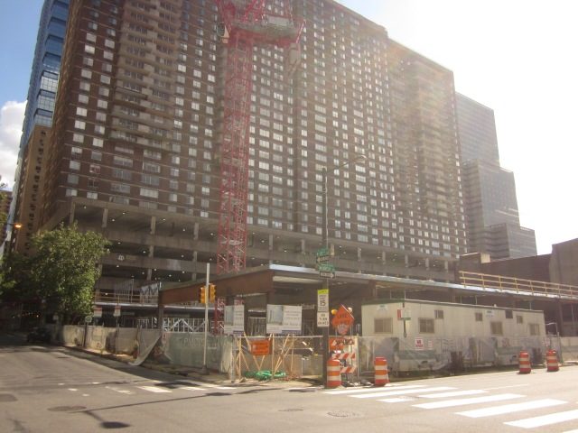 1900 Arch apartments, currently under construction, @ 19th & Arch Streets