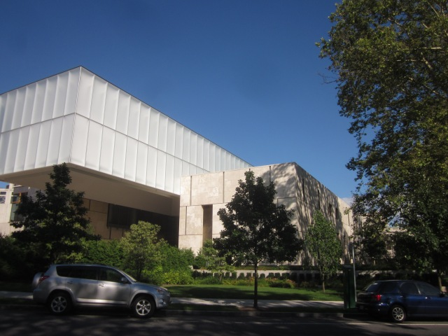 The Barnes Foundation museum entrance, on 21st Street