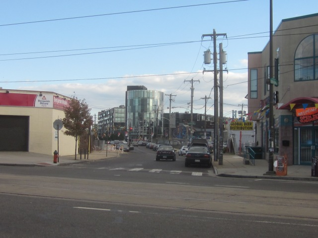Looking south down Germantown Avenue, from Girard Avenue, towards The Piazza and Second Street