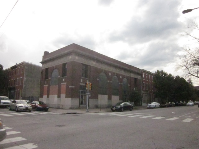 Vacant bank building @ 18th and Fairmount