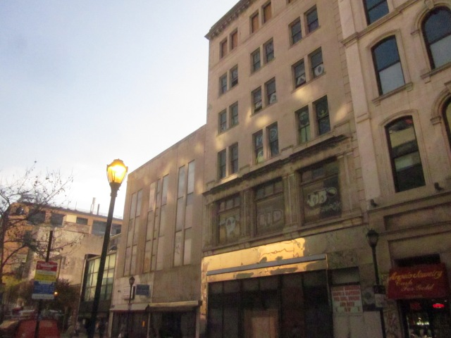 Buildings at 1118-28 Chestnut Street at present