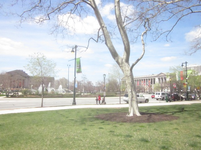 Looking at Logan Circle and the museums along the Ben Franklin Parkway